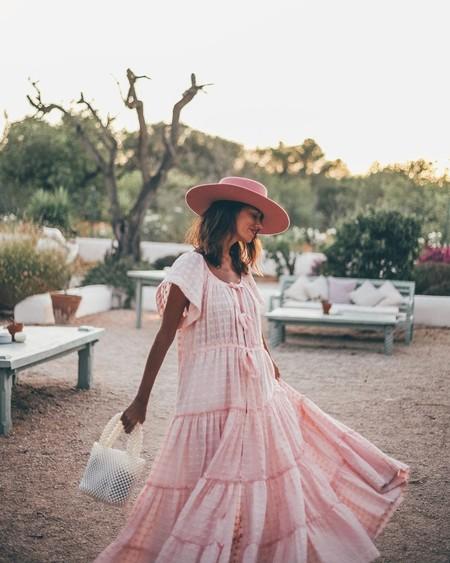Los vestidos largos son los protagonitas de las noches de verano y estos 11 diseños de rebajas enamoran