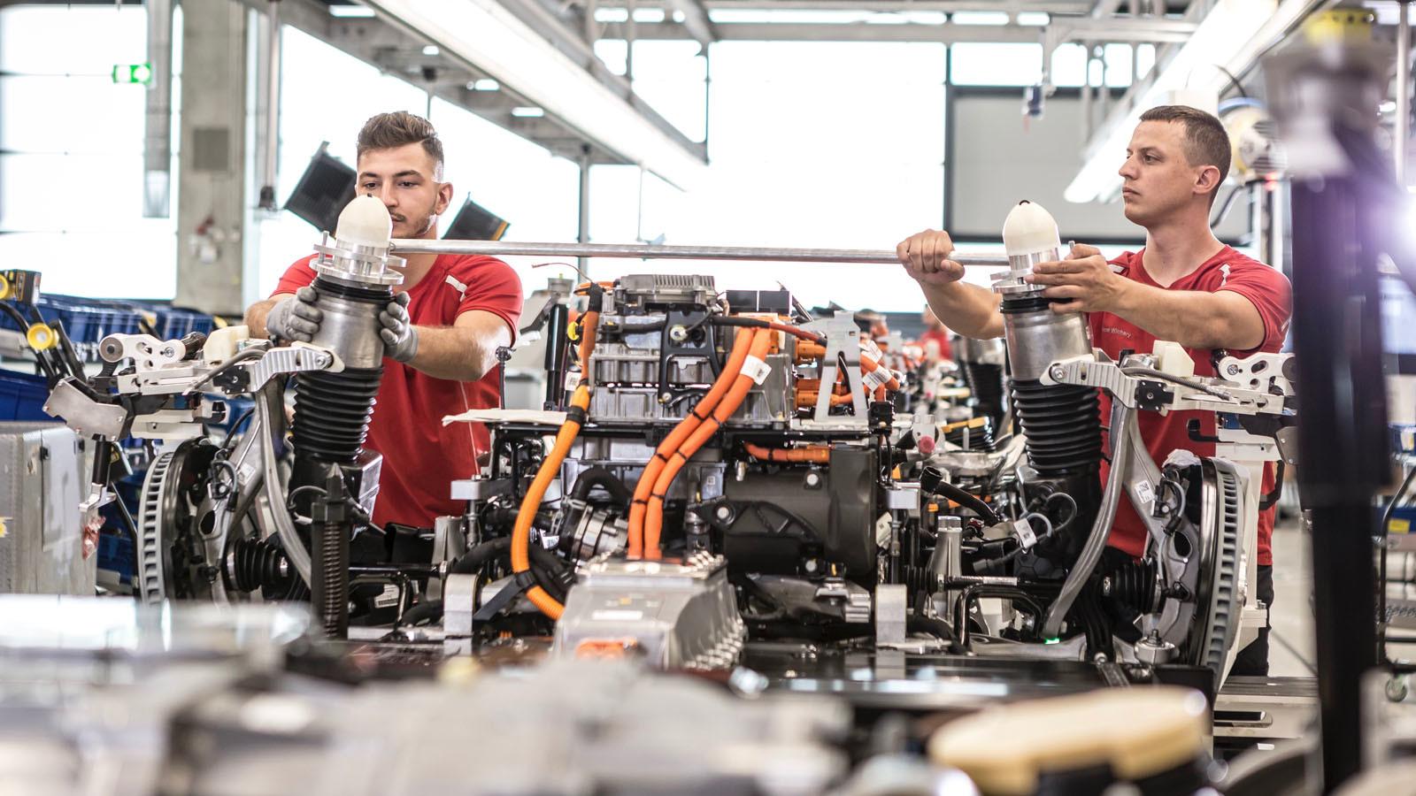 Foto de Fábrica Porsche Taycan (inauguración) (26/44)