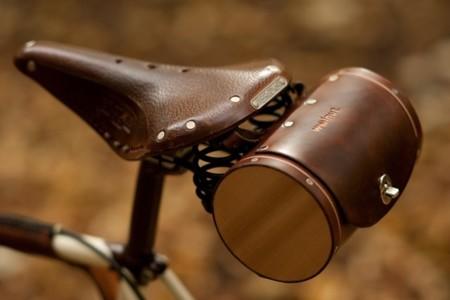 Walnut, accesorios artesanales de cuero para bicis
