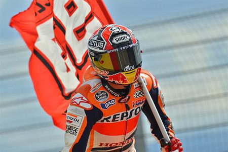 Motorpasión a dos ruedas: triunfo de Márquez, prueba de la Street Triple y los sueldos de los pilotos