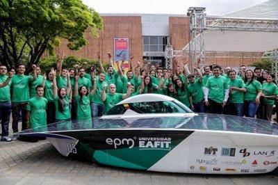 EAFIT y EPM presentan la nueva versión del carro solar que competirá en Australia