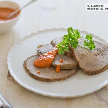 Receta de carne asada con salsa de pimientos del piquillo, la clásica, pero con un acompañamiento muy especial