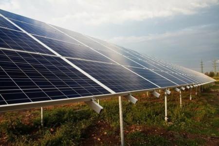 Si eres energía renovable recibirás cuatro veces menos ayudas que los combustibles fósiles