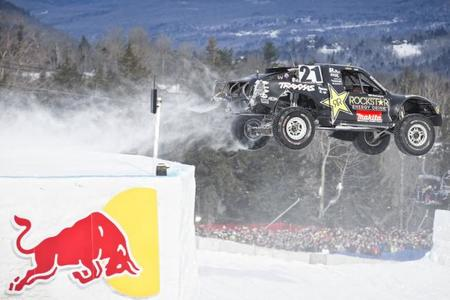 Red Bull Frozen Rush: espectáculo 4x4 en la nieve
