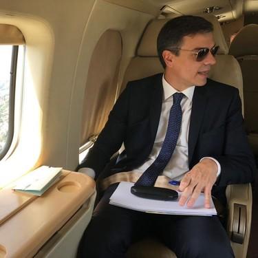 El cartel electoral de Pedro Sánchez es más memeizable que cualquiera de sus fotos en el avión
