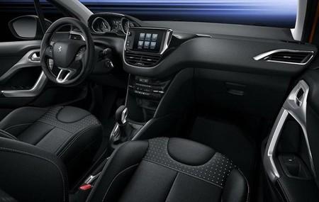 Peugeot 208 2015 04