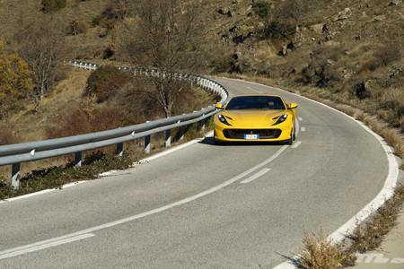 Ferrari 812 Superfast en marcha