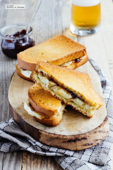 Sándwich de queso Brie y mermelada de higos. Receta fácil