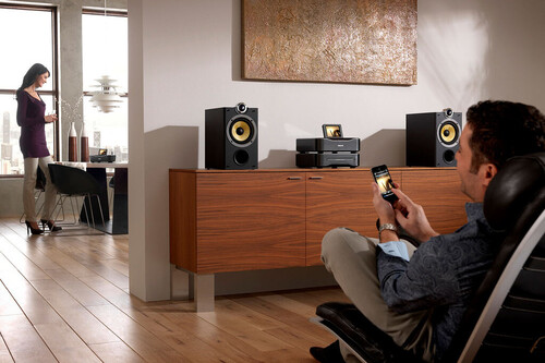 No tires tu vieja minicadena: podrás darle un nuevo uso como equipo de sonido para la tele o incluso reutilizar sus altavoces