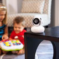 Este vigilabebés de Motorola tiene visión nocturna, un alcance de 300 metros, sensor de temperatura y, además, está en oferta: 99 euros