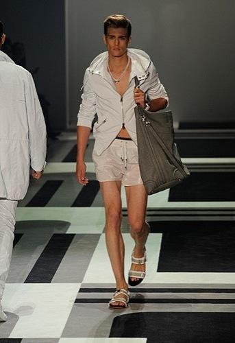 Foto de Gucci, Primavera-Verano 2010 en la Semana de la Moda de Milán (8/15)