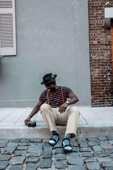 El Combo De Chanclas Y Calcetines Conforman Los Mejores Looks Del Street Style De La Semana 10