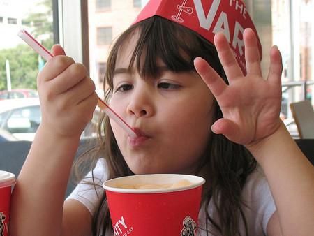 El consumo frecuente de refrescos gaseosos podría estar relacionado con problemas de conducta en los niños