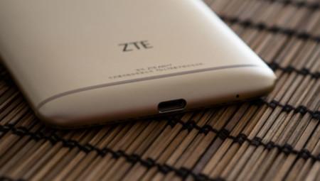 ZTE Axon 7: USB tipo-C
