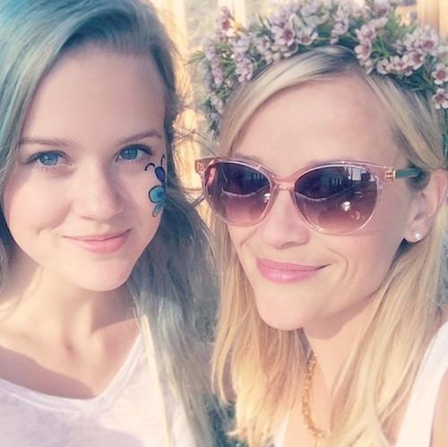 ¿Reese Witherspoon vuelve a ser adolescente? No, es su hija Ava
