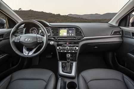 Hyundai Elantra 2020 6
