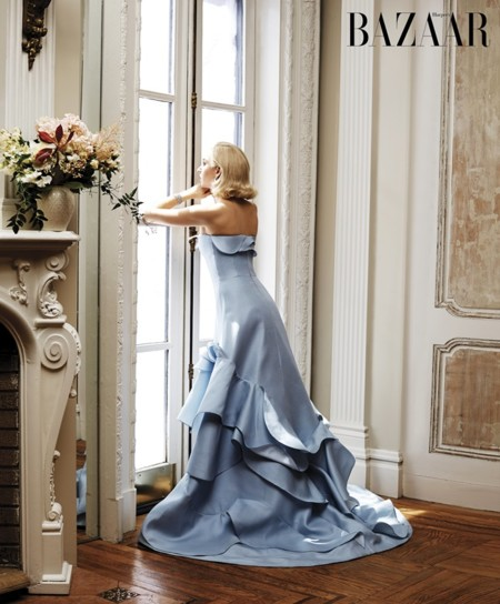 ¿Qué pasa cuando vistes a la nieta de Grace Kelly como a ella? Que se parece más a Lady Gaga