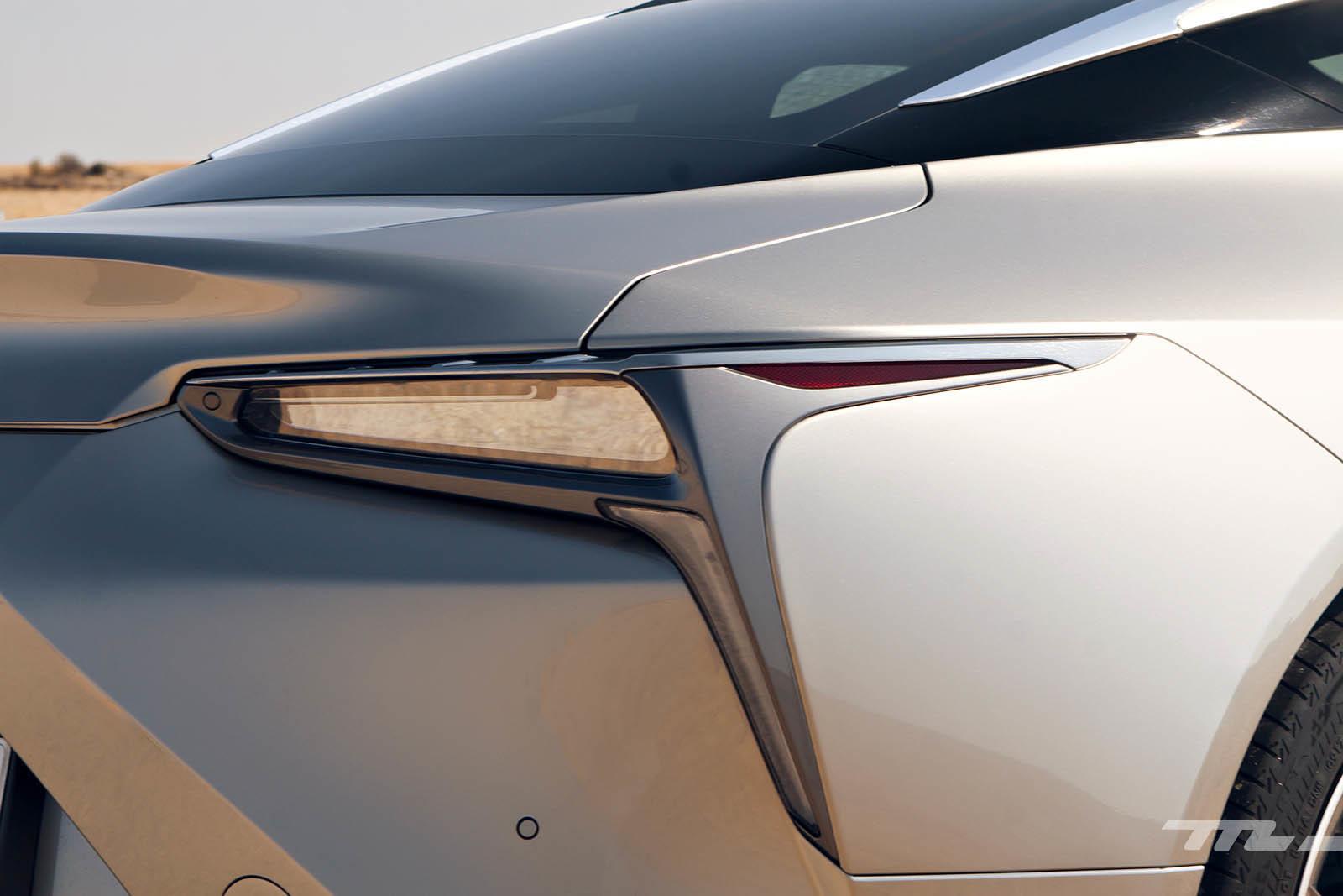 Foto de Lexus LC 500 (24/40)