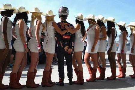 La Fórmula 1 está a punto de dar carpetazo a otra tradición. Ve despidiéndote de las Pit Babes