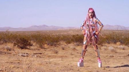 Grimes - 'Go': y Rihanna dijo NO