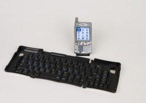 iGo StowAway, teclado Bluetooth completo y plegable