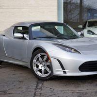 Más de un millón de dólares por un Tesla Roadster en ebay, ¿nos hemos vuelto locos?