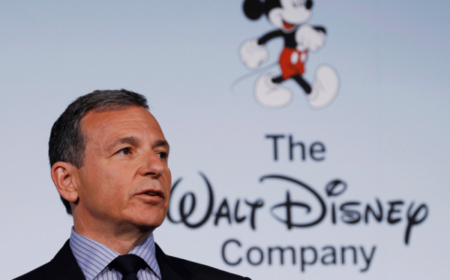 Al CEO de Disney no le preocupa que Apple TV+ sea más barato que Disney+
