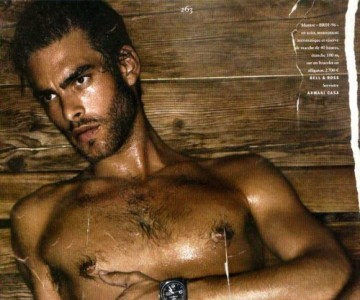 Jon Kortajarena, desnudo en una sauna para Vogue Hommes International