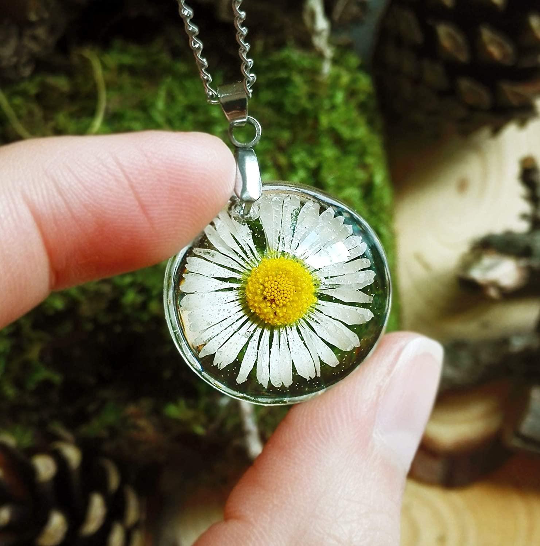 Colgante Delicado Pequeño con Flor de Margarita Blanca con Caja de Regalo