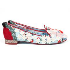Foto 13 de 88 de la galería zapatos-alicia-en-el-pais-de-las-maravillas en Trendencias