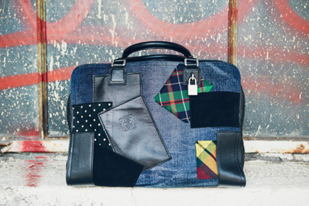 El bolso de trozos de tela que se está poniendo de moda, lo firma Loewe y Junya Watanabe Comme des Garçons