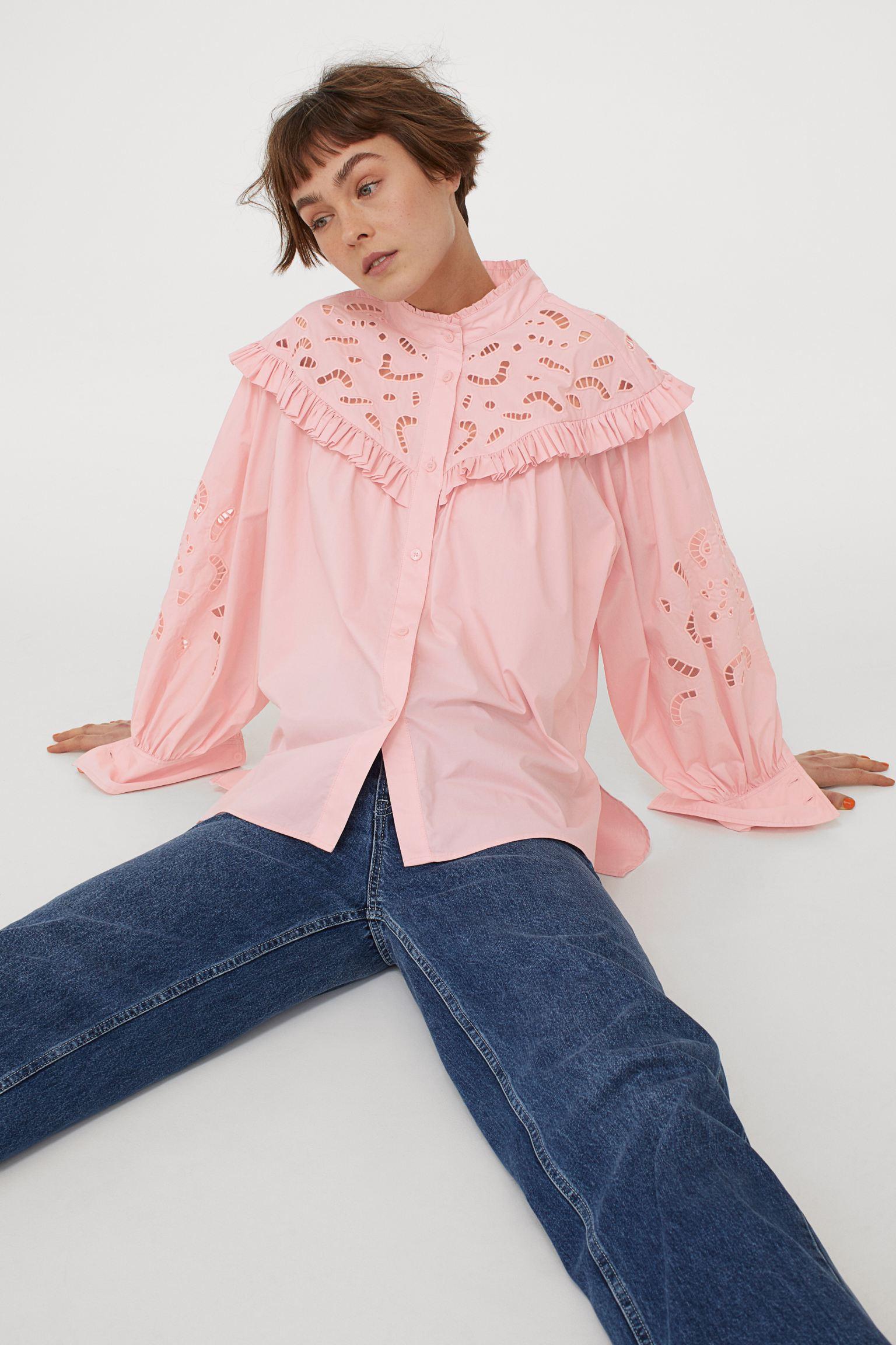 Blusa rosa con bordado inglés