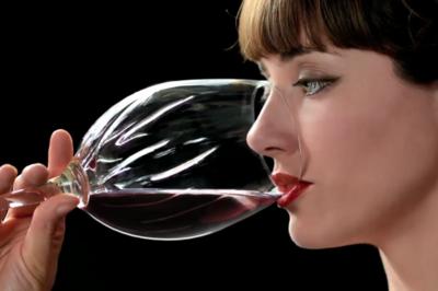Safe Cup, la copa que reduce el alcohol y las calorías de tu bebida