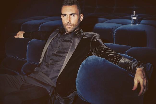 Adam Levine se convierte en embajador online de Y la nueva fragancia de Yves Saint Laurent