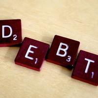 La deuda pública da un respiro pero a niveles de escándalo