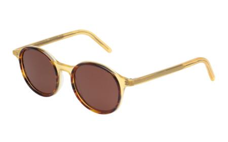 Tomas Maier se aventura a las gafas de sol con una colección de modelos clásicos