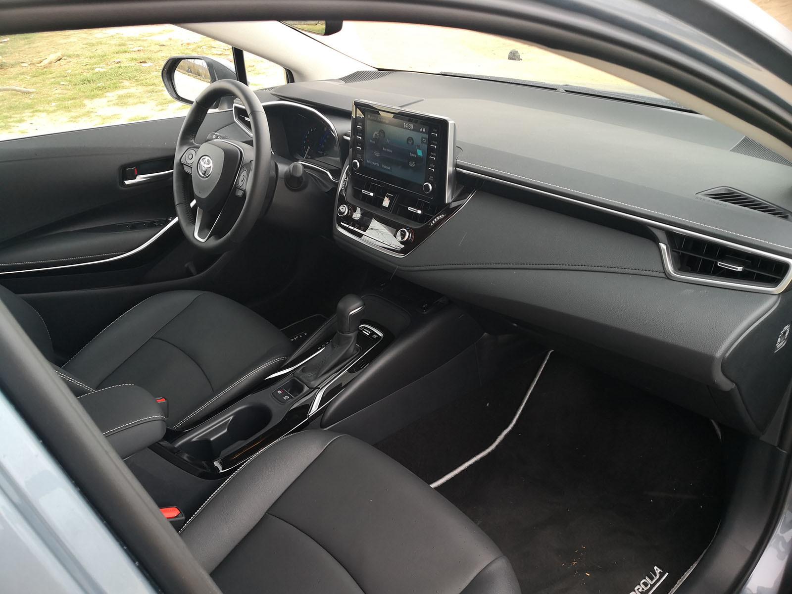 Foto de Toyota Corolla Sedán - Fotos interiores (6/19)