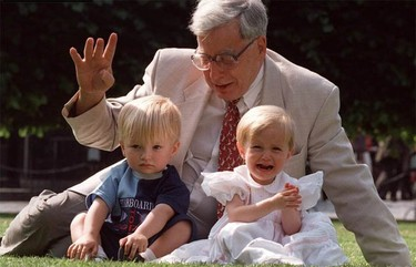 Nobel de Medicina para Robert Edwards, padre de la fecundación in vitro