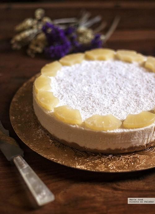 Refrescante tarta de mousse de piña y coco. Receta con y sin Thermomix