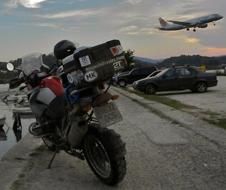 America en moto. De Manila a Vancouver en Business Class (y una BMW navegando)