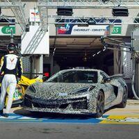 El nuevo Chevrolet Corvette Z06 se ha dejado ver y escuchar en Le Mans, y ya tiene fecha de presentación