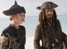 Knightley y Depp en Piratas del Caribe 3