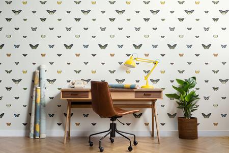 MuralsWallpaper sorprende con una colección inspirada en la estética de las películas de Wes Anderson