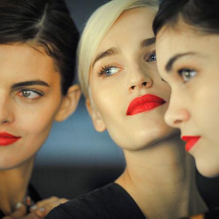 Ocho razones por las que tu maquillaje explosionará de color esta primavera