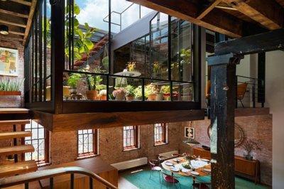 Cuando veas la terraza de este loft en Manhattan, vas a querer una igual para ti