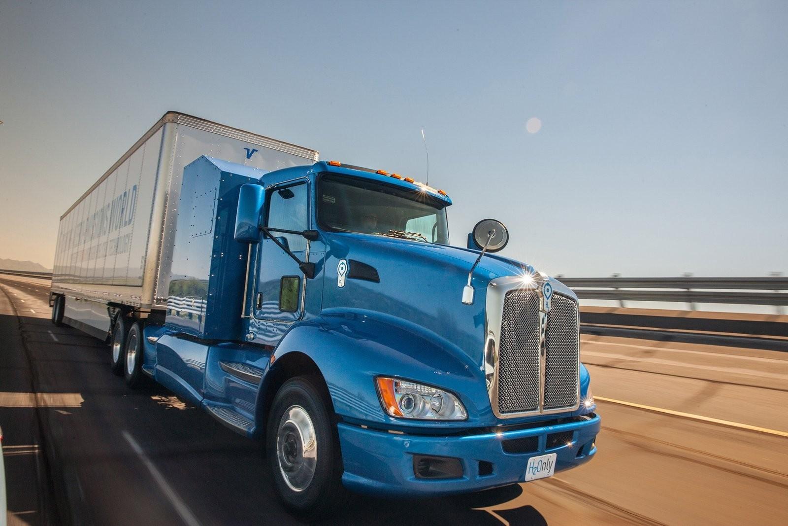 Foto de Camión de Toyota con pila de combustible (9/12)