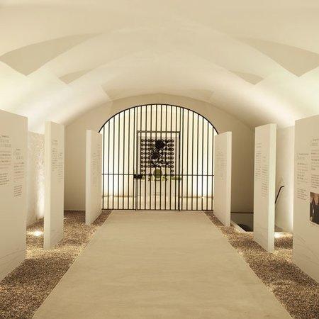 """La celda-bodega donde se guardarán los """"Perrier-Jouët Bi-Centenaire"""" durante 100 años"""