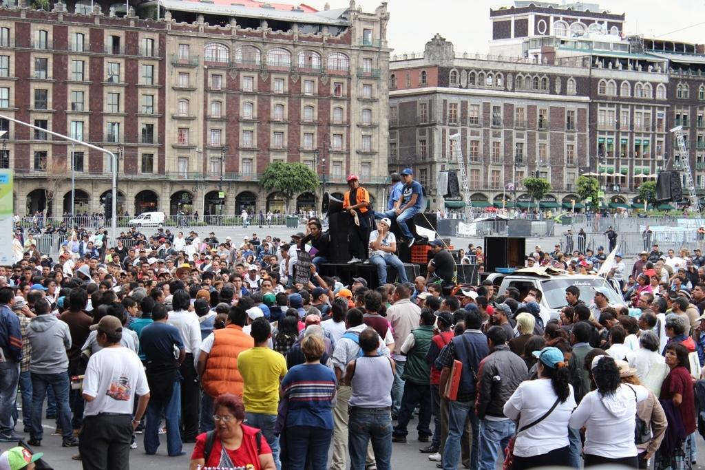 """Foto de Entrevista: hablan los afectados por el nuevo """"Hoy No Circula"""" (3/11)"""