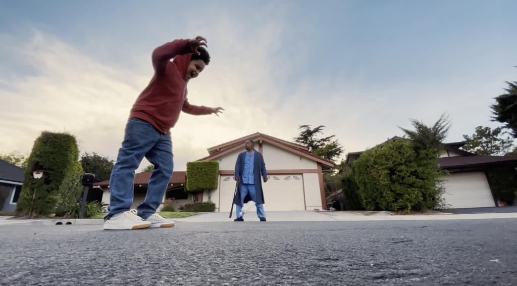 Apple nos acompaña a explorar la versatilidad del iPhone en dos vídeos sobre técnicas cinematográficas y fotografía nocturna
