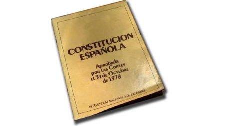 #nosecumple quizá sea el mejor homenaje a la Constitución Española